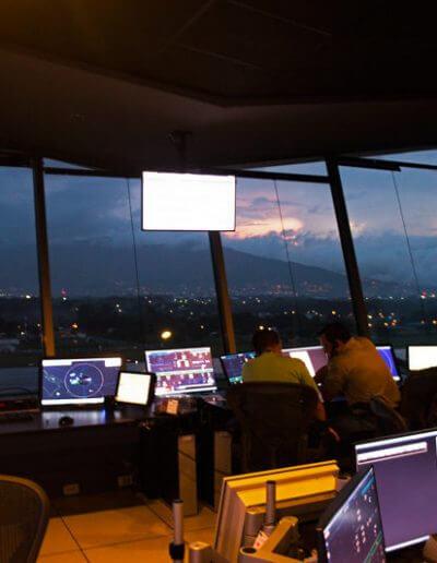 Escuelas de Aviación Costa Rica. Requisitos para ser controlador aéreo y que hace un ATC